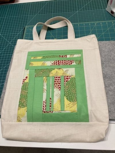 Roseanne's tote bag using my African Fabric scrap block